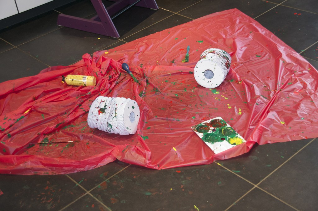 Splat painted lanterns and Christmas crafts