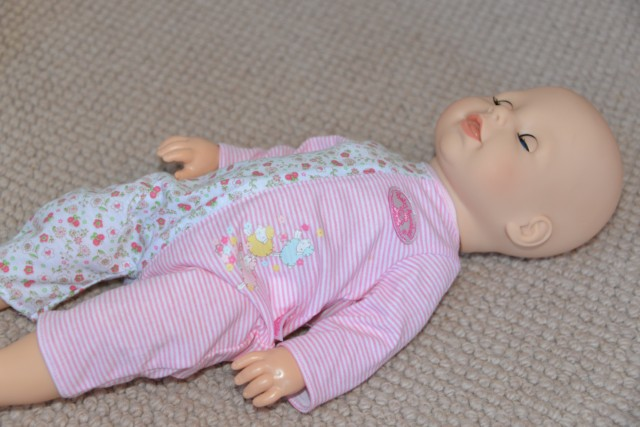 Baby Annabell lie down
