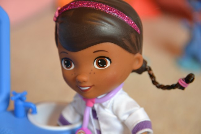 Doc McStuffins Magic Talkin' Checkup Set – Review