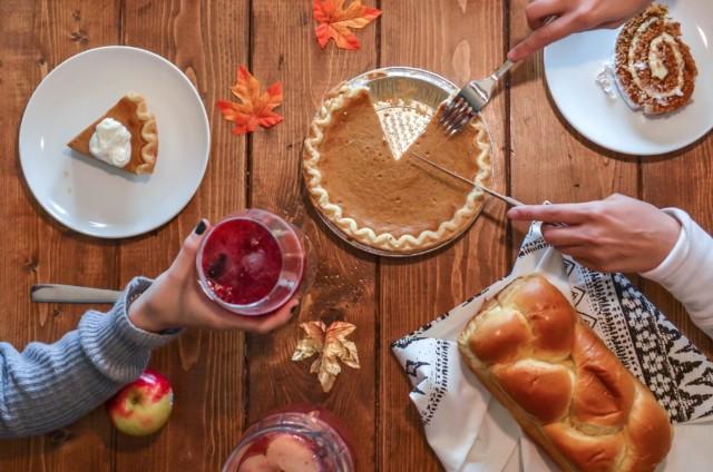 gorgeous thanksgiving table