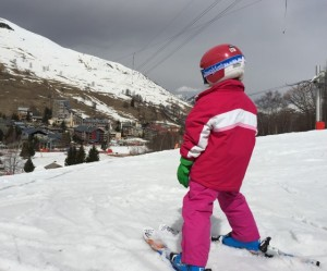 children skiing Les Deux Alps