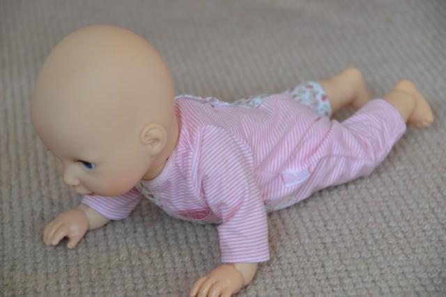 Baby Annabell crawl