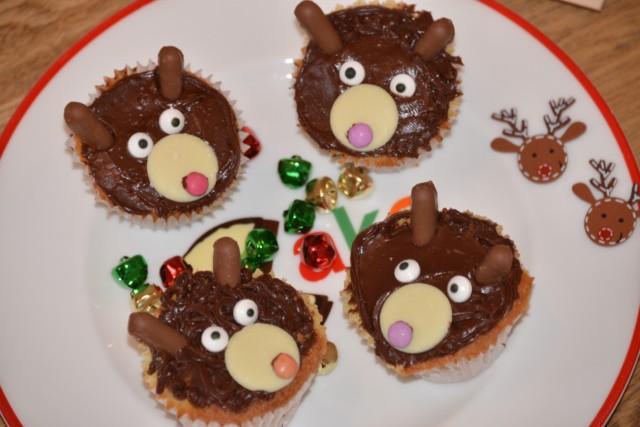 Easy Reindeer Cakes