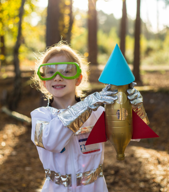 Water Bottle Rocket Craft: Space Science Book
