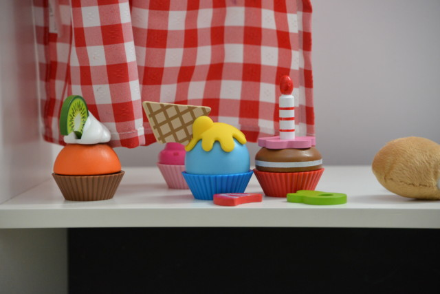 Cupcake Set from Hape