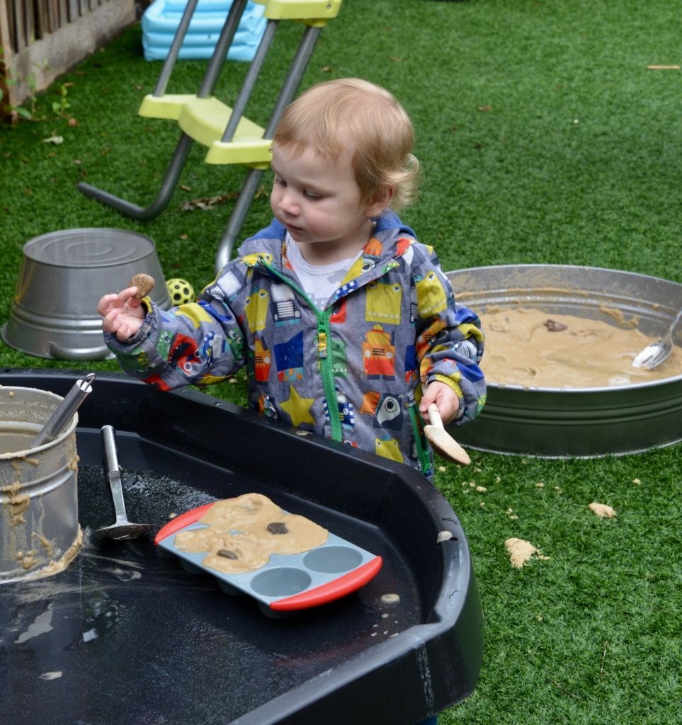 Tuff Tray Mud Kitchen
