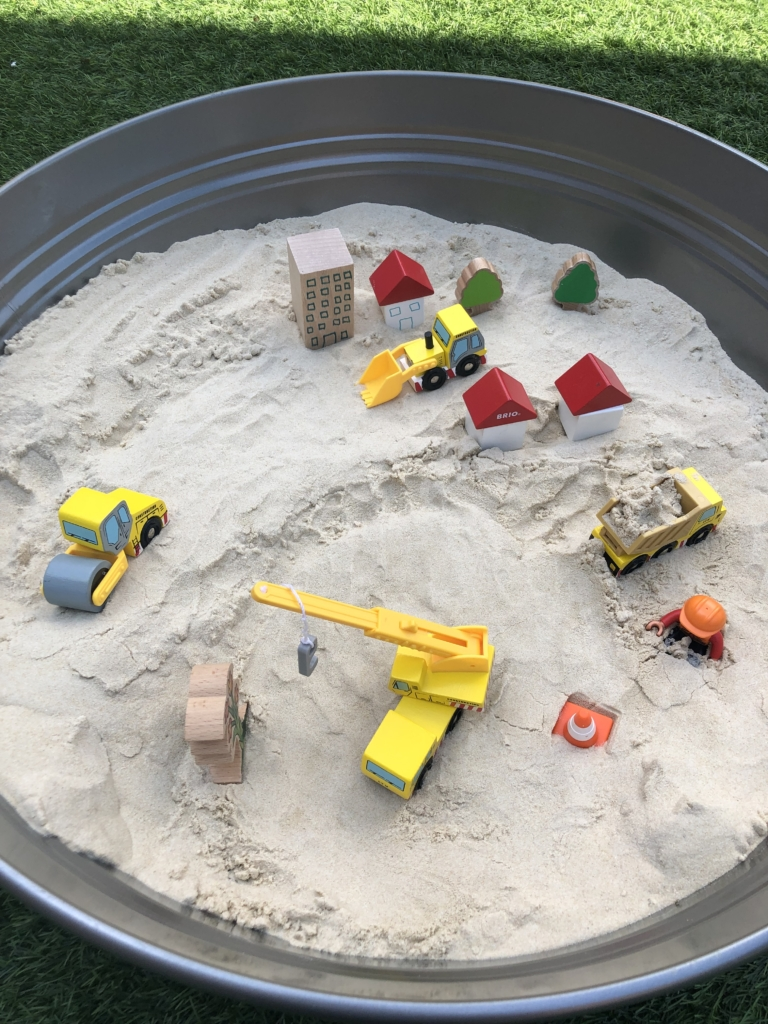 Sand and digger play tray